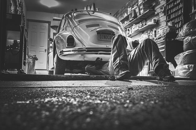 Mechanik samochodowy. Jak wybrać tego najlepszego?